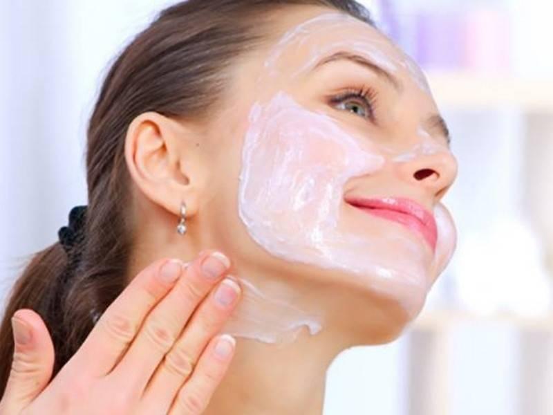 Самые эффективные маски для омоложения лица после 40