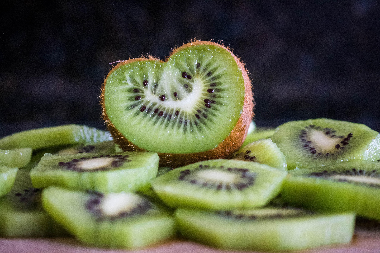 Польза и вред киви для организма