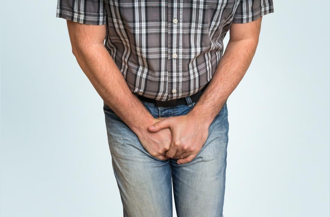 Причины появления нароста на яичке у мужчин