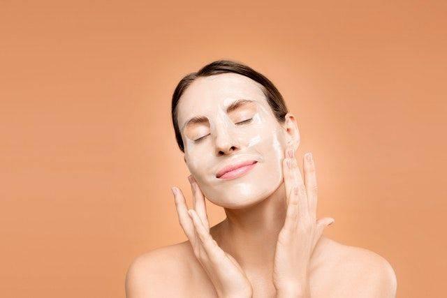 Маски для лица с алоэ в домашних условиях: простые рецепты от морщин, прыщей и воспаления на коже