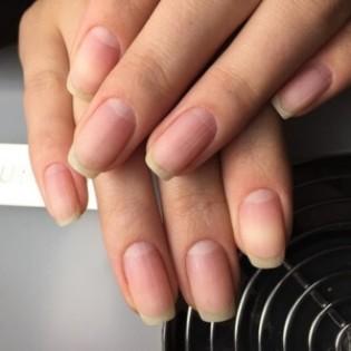 Мастер маникюра и восстановление ногтей после гель лака.