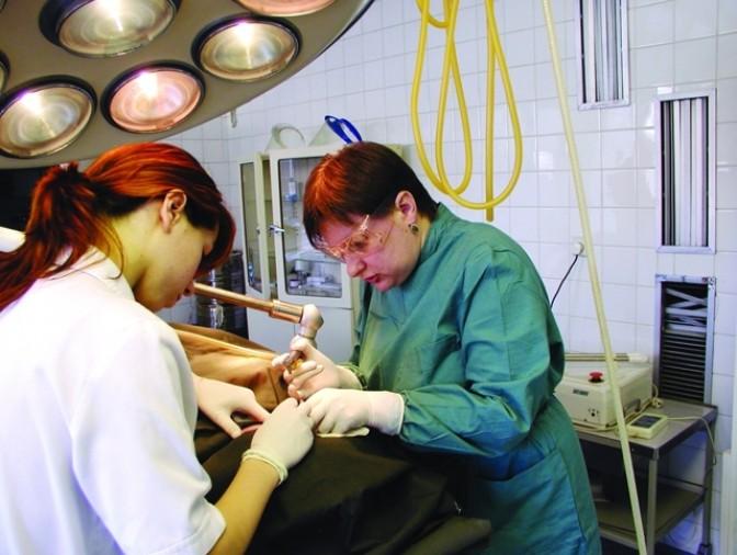 Все за и против лазерной хирургии: плюсы и минусы применения лазеров в медицине