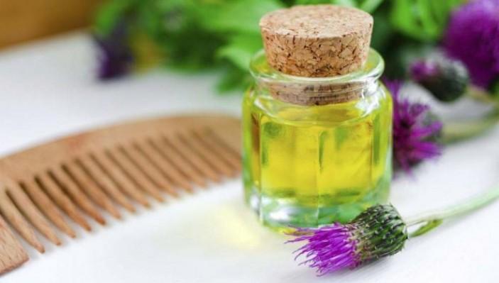 Состав и чем полезно репейное масло для волос?