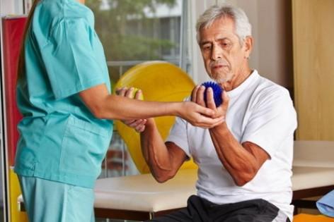 Этапы восстановления и возможные осложнения после иссечения гигромы кисти, особенности реабилитации после удаления гигромы
