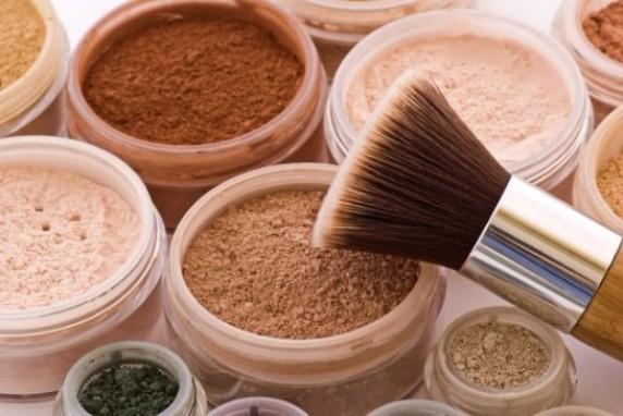 Какой должна быть лучшая пудра для жирной проблемной пористой кожи: мнение косметологов