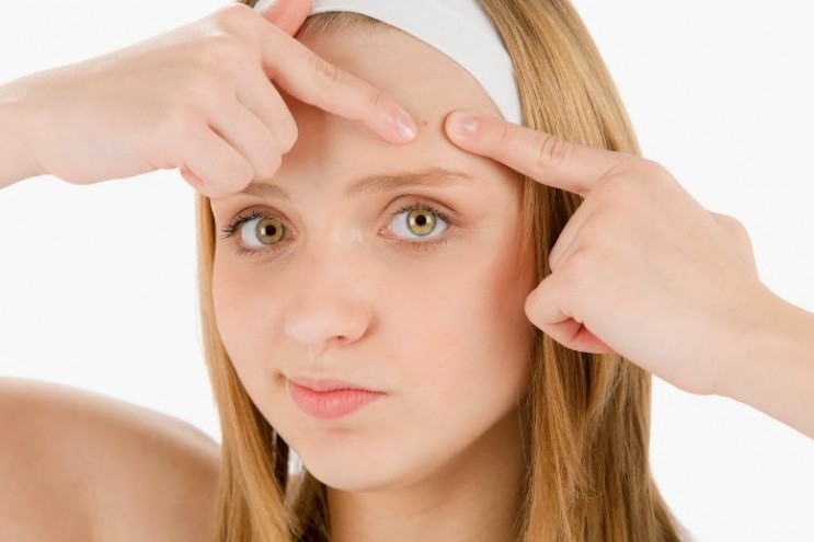 Лучшее аптечное средствоот подкожных, внутренних прыщей на лице: инструкция по применению