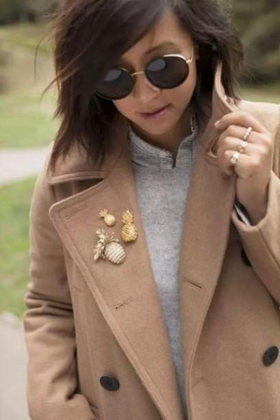 Как носить брошь: ближе к традициям