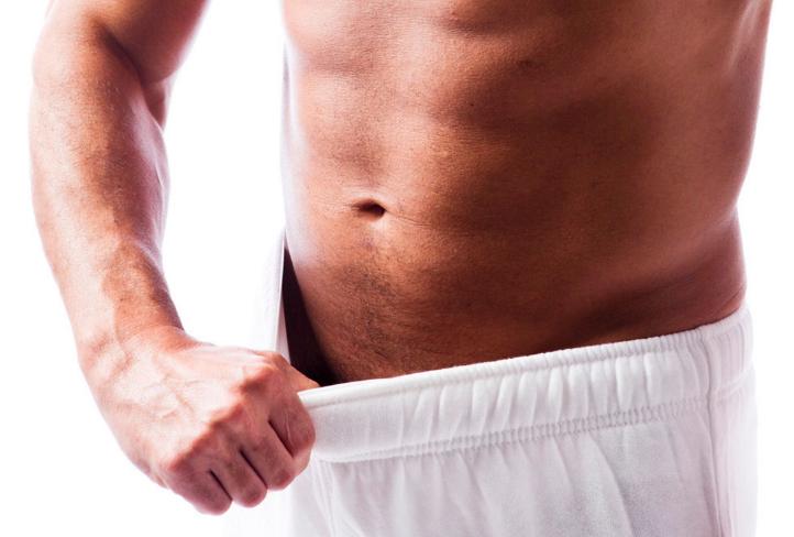 Что может болеть в правом боку у мужчин?