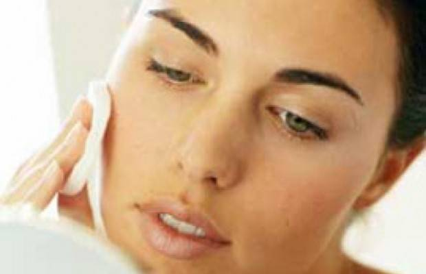 Причины жирности кожи