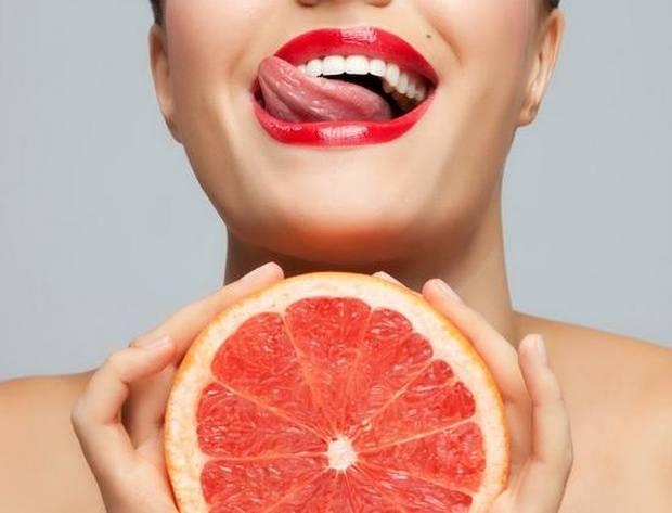 Маски для лица из ягод: волшебное омоложение