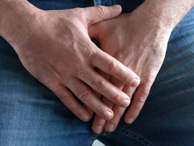 Красные пятна на головке пениса: причины, лечение