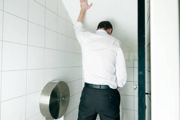 Затруднённое мочеиспускание у мужчин, причины
