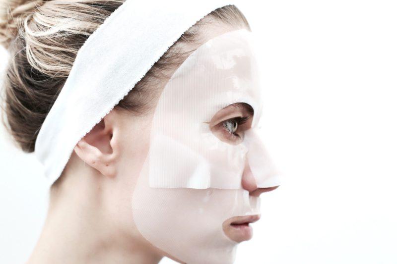 К какому врачу идти с прыщами: косметолог или дерматолог