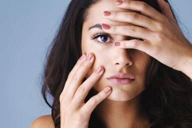 Жирная кожа лица: причины у женщин