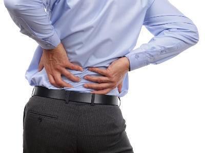 Боли в пояснице у мужчин: причины и лечение