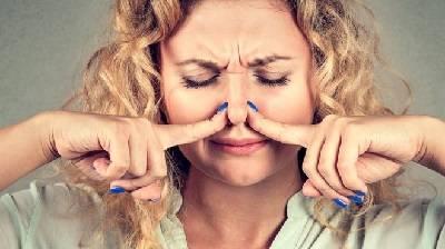 Почему моча сильно пахнет?