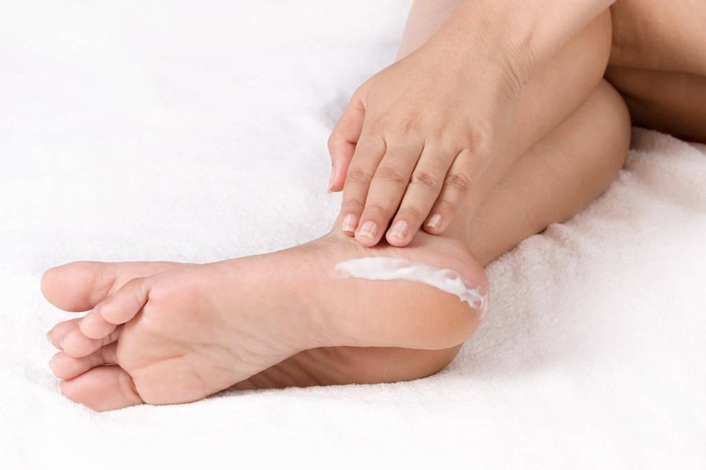 Причины возникновения пяточных шпор и их лечение