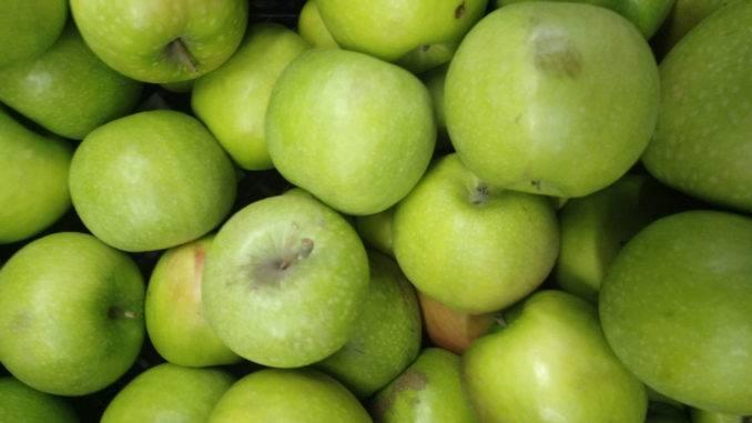 Яблочные маски для кожи лица: рецепты приготовления и применение в домашних условиях