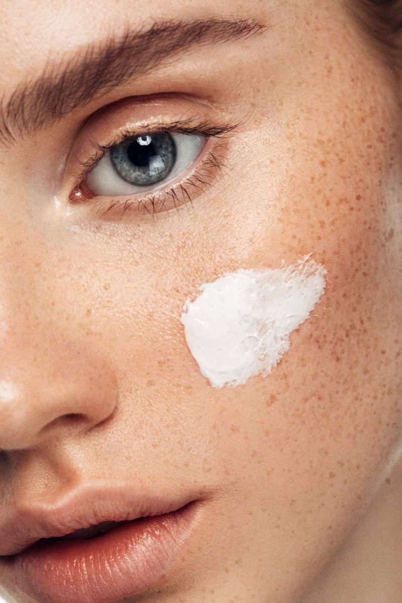 Кокосовое масло для лица: свойства и применение