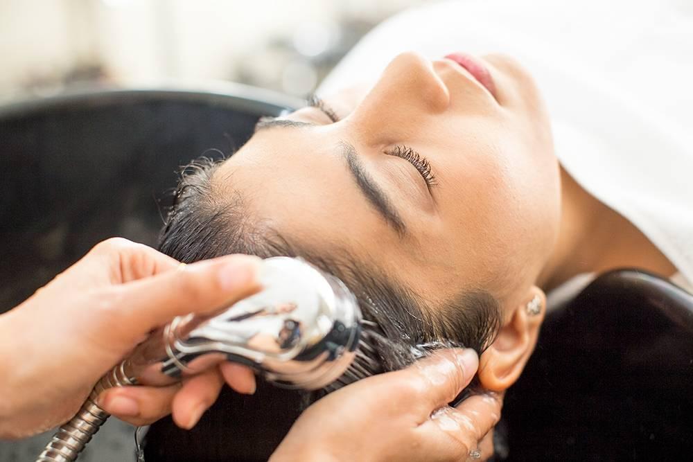 Как лечить себорею кожи на голове в домашних условиях?