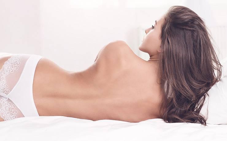 Прыщи на спине и пояснице у женщин, причины, как избавиться