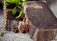 5 эффективных рецептов дегтярного мыла от прыщей