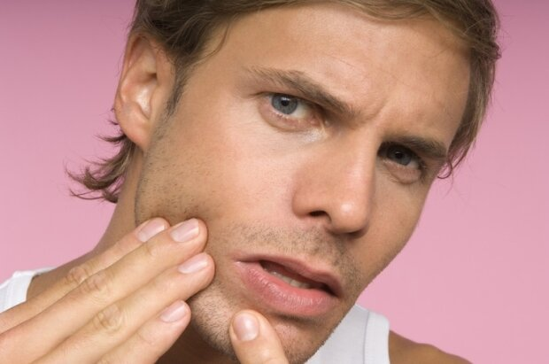 Прыщи на подбородке у женщин причины и лечение