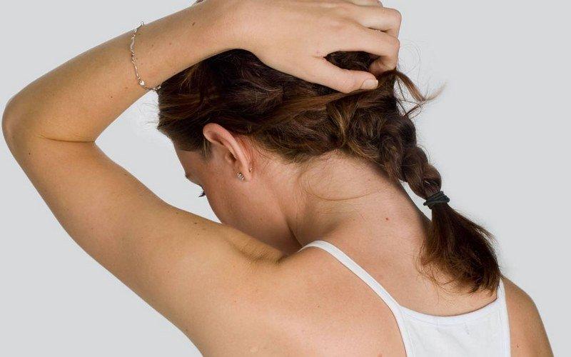 Какой врач лечит волосы и кожу головы