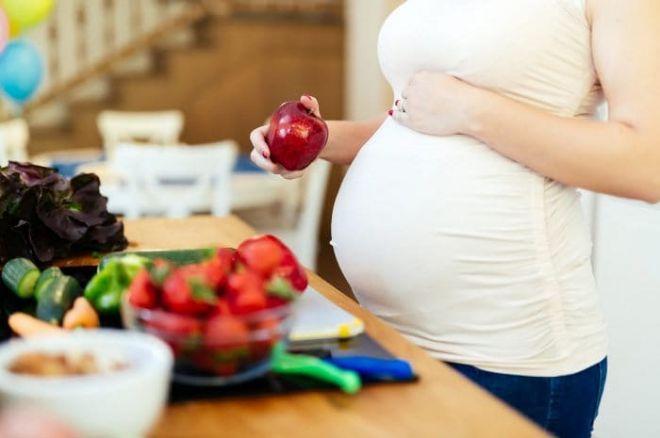 Прыщи на лице во время беременности: причины и возможное лечение. можно ли выдавливать прыщи на лице?