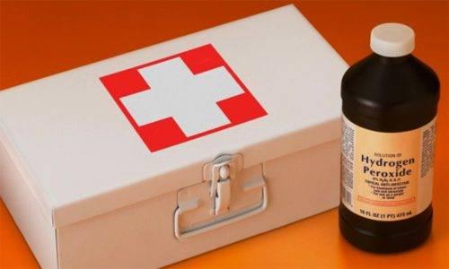 Лечение папиллом перекисью водорода: особенности процедуры