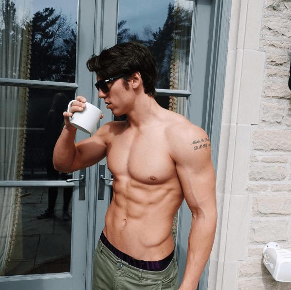 Обзор медицинских препаратов, повышающих тестостерон у мужчин