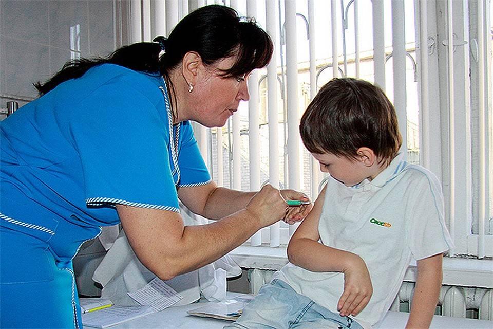 Прививка от covid-19 опасна, но за отказ от нее может быть крупный штраф – что делать?