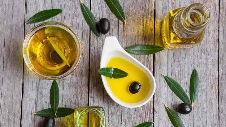 Для чего и как использовать оливковое масло для лица
