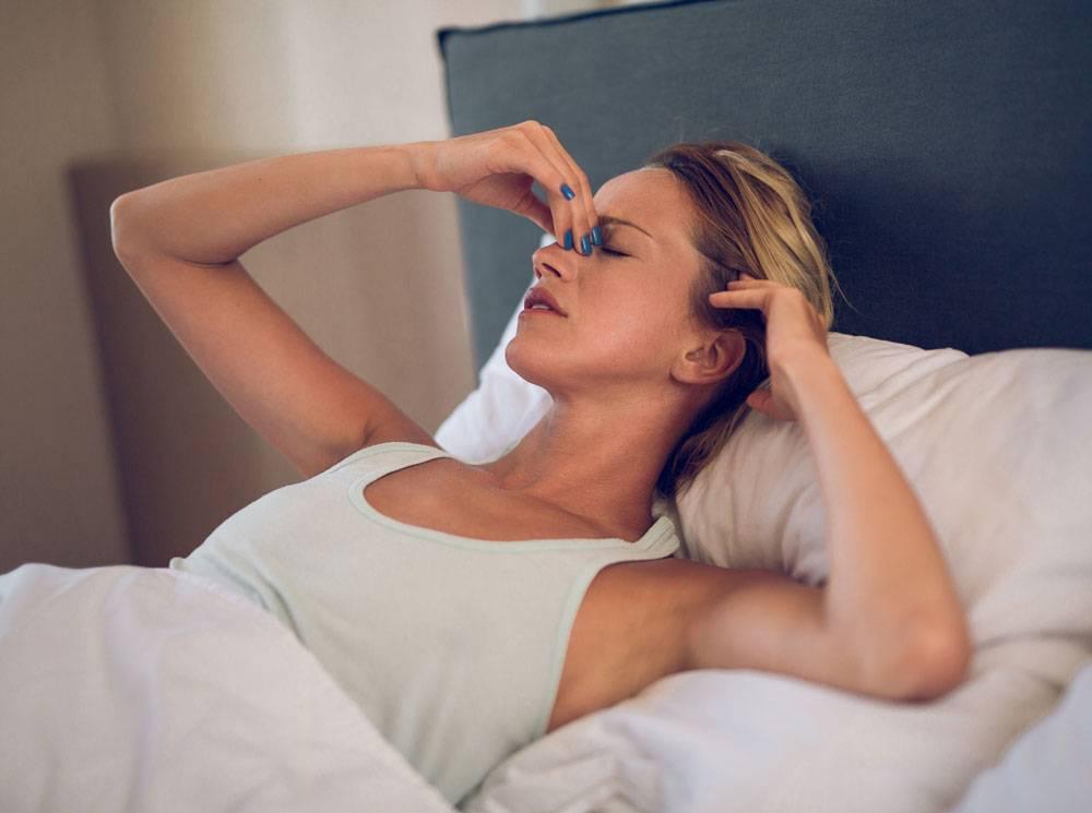 Могут ли появляться прыщи от недосыпания