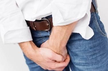 Лечение уретрита у мужчин в домашних условиях, чаи при уретрите, чеснок, плоды можжевельника для лечения уретрита народными средствами