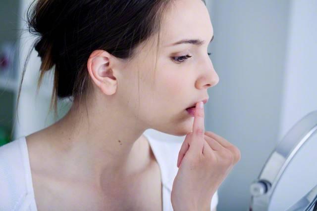 Сыпь на коже прыщи витамины