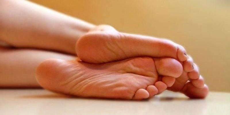 Эффективный способ лечения трещин на пятках в домашних условиях