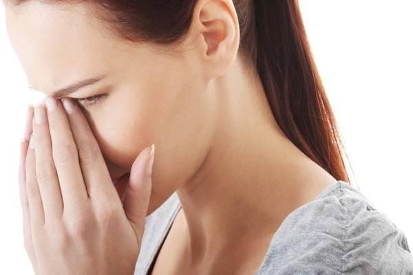 Чирей (фурункул) в носу: методы лечения, фото нарыва