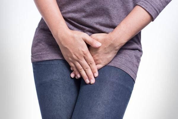Прыщ на клиторе и около клитора: какие бывают, необходимость обращения к гинекологу