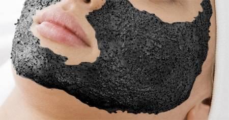 Маска из желатина и активированного угля: чистка пор в домашних условиях