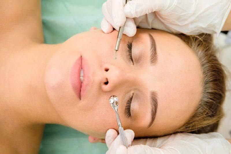 Как почистить лицо быстро и эффективно от черных точек, прыщей, угрей, жировиков, жирной кожи, пигментных пятен