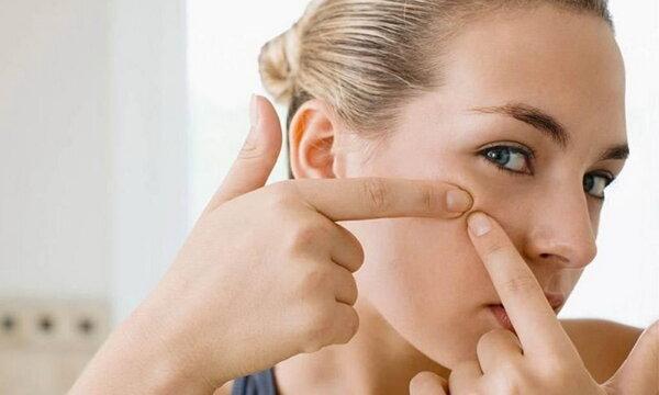 Чистка лица в домашних условиях: от черных точек и прыщей