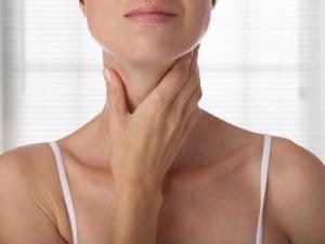 Больная щитовидка и на лице прыщи